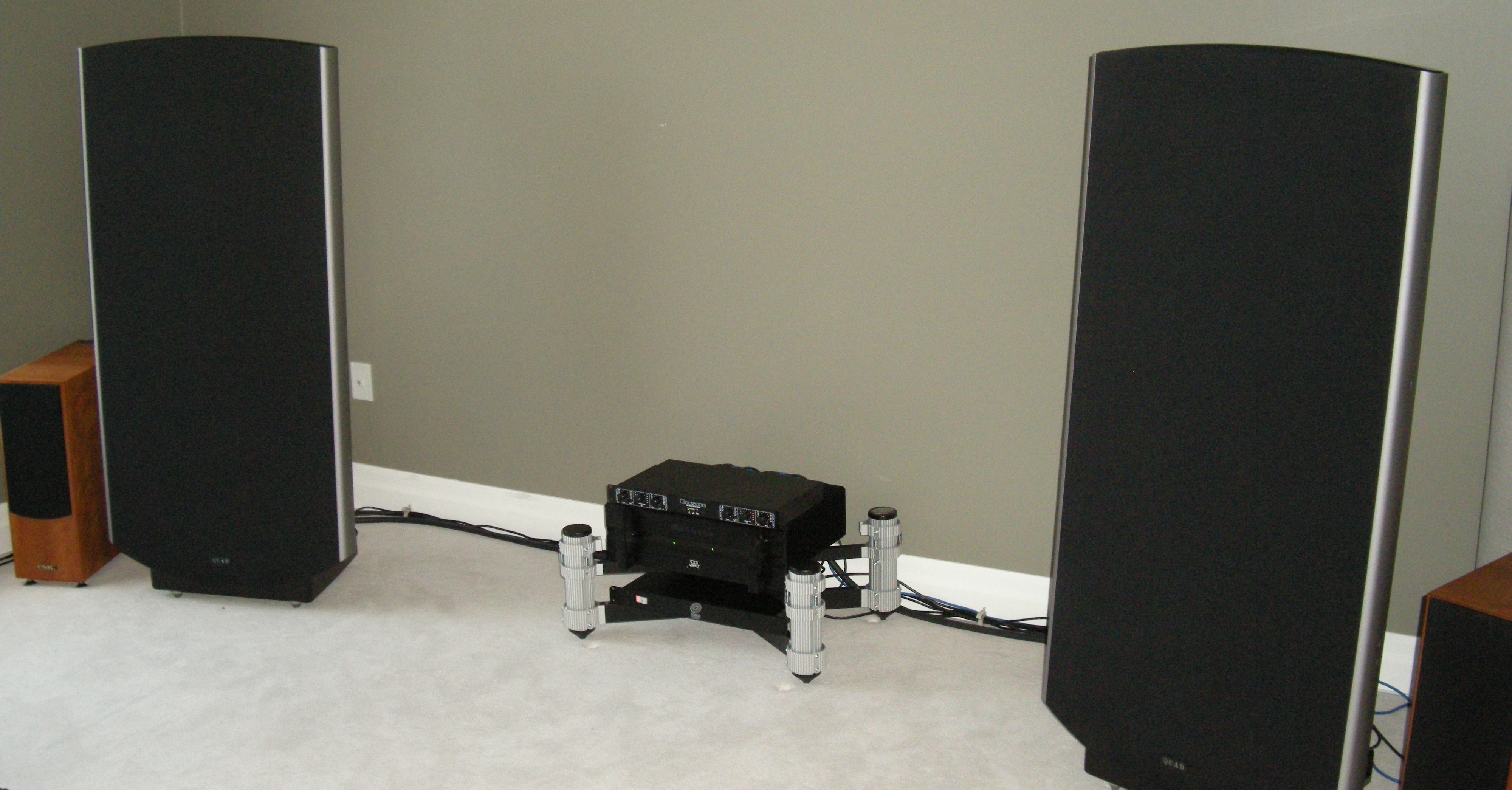 Home Audio Systems Quad 2905