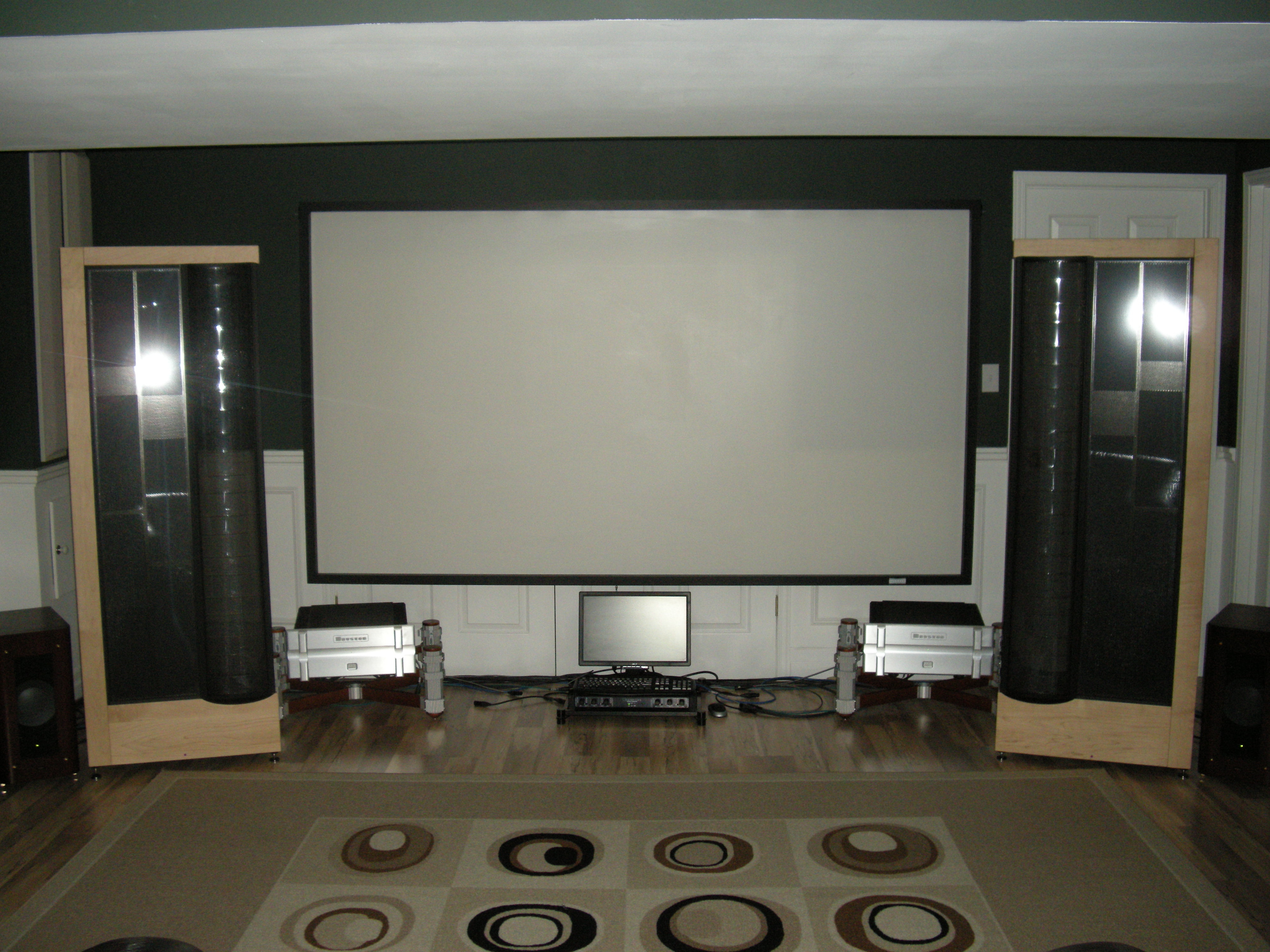 Martin Logan Main room 003